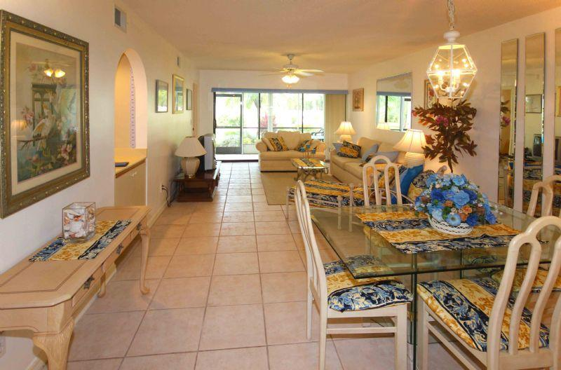 Gleneagles Condo unit in golf country area - Image 1 - Naples - rentals