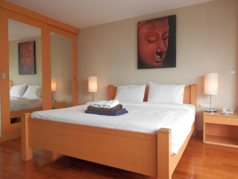 King size bed with duvet - Twin Peaks studio, near Night Bazaar - Chiang Mai - rentals