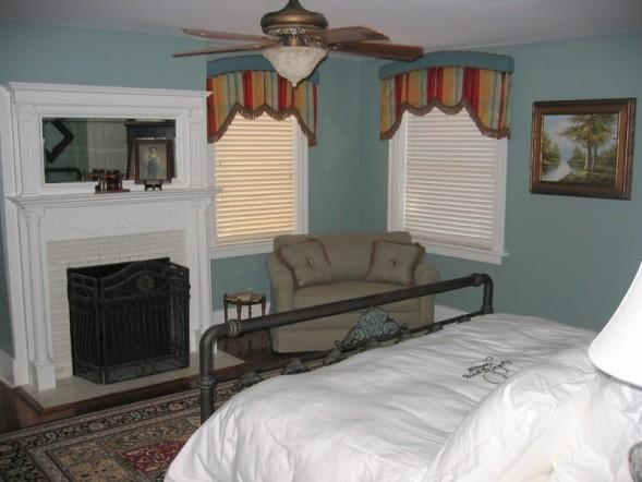 2BR 2BA - Wedding Cake Garden Suite (sleeps max 6) - Image 1 - Savannah - rentals