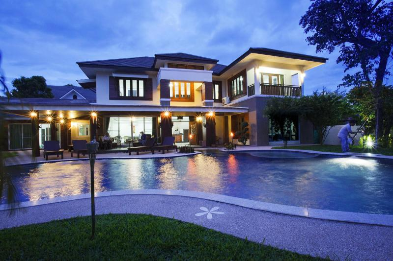 8 bedroom luxury villa - Magnificent Villa with Private Swimming Pool - Chiang Mai - rentals