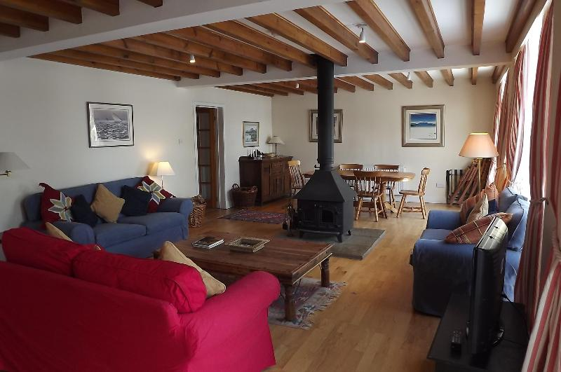 sitting / dining room with kitchen off - SPITTAL COACH HOUSE near EDINBURGH - Penicuik - rentals