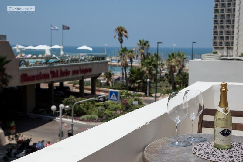 Balcony - Beach Apartment on Hayarkon street! Fully Sea-View - Tel Aviv - rentals