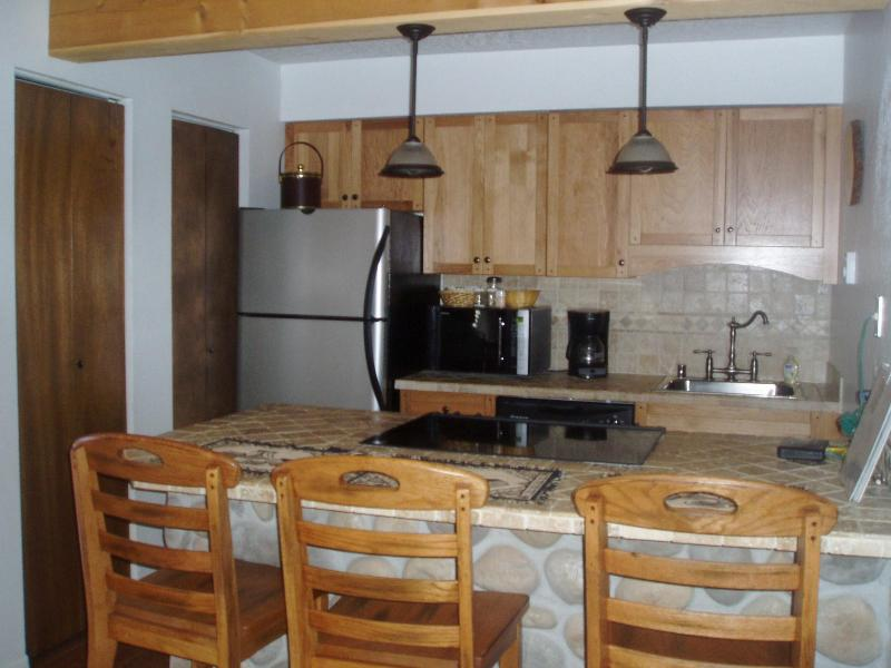 Seating for 4 - Summer Weekly Rates $550 - Angel Fire - rentals