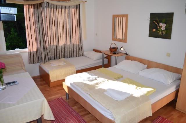 Apartments Mato - 53321-A1 - Image 1 - Mlini - rentals