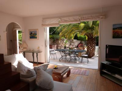 Villa de l aube, Great Apartment Rental in Golfe Juan - Image 1 - Golfe-Juan Vallauris - rentals