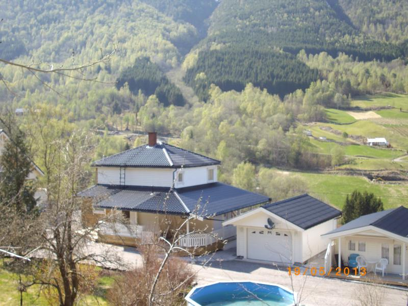 Vacation house with panoramic view in the hearth of Fjord Norway - Image 1 - Sogn og Fjordane - rentals