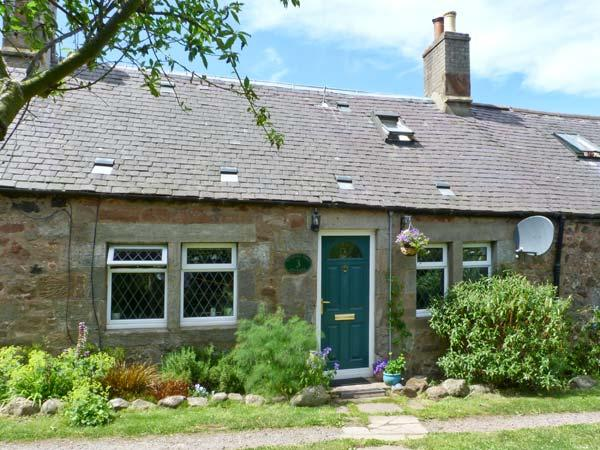 SHEPHERD'S COTTAGE, pet-friendly cottage, in countryside, with woodburner, Innerwick, Dunbar Ref. 26854 - Image 1 - Dunbar - rentals