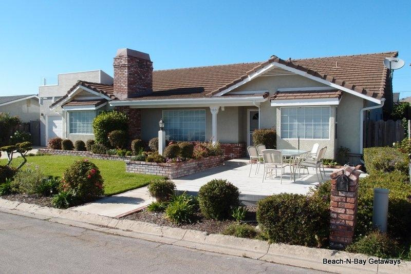 This home has a front patio area where you can enjoy the beautiful landscaping and ocean breezes. - 1/2 Block to Beach! Ocean Vus! Comfortable!  Fun! - Morro Bay - rentals