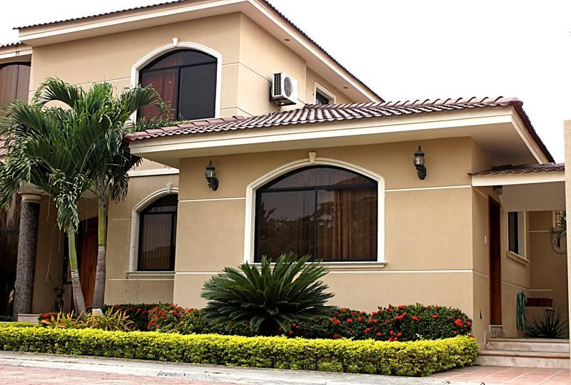 Front View of the suite. On the left, is the main house. - Guayaquil - Samborondon. A++ Suite - Guayaquil - rentals