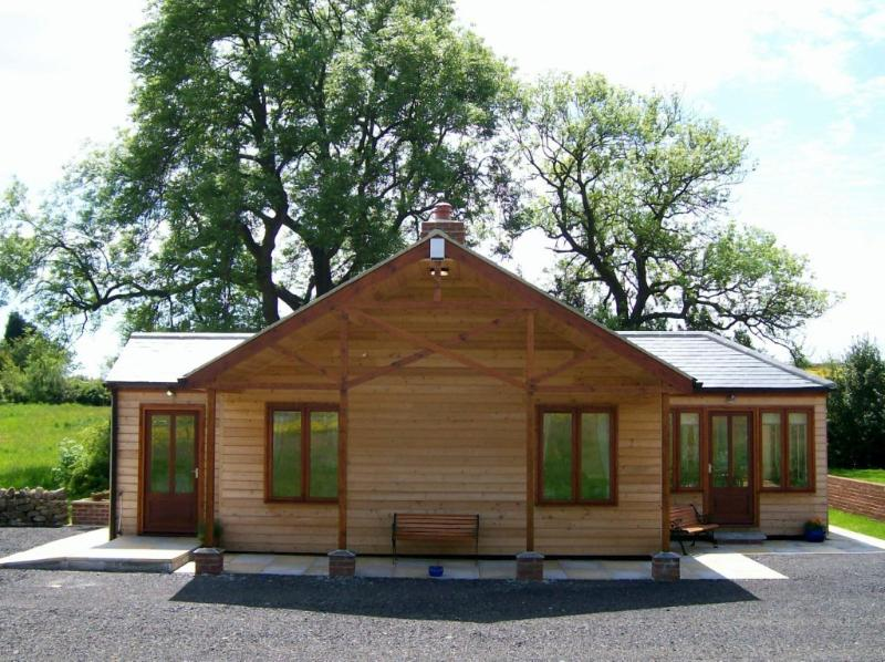 Little Owl Lodge - Little Owl Lodge, Durham Dales Alpaca Farm, Luxury Lodge Accommodation - Durham - rentals
