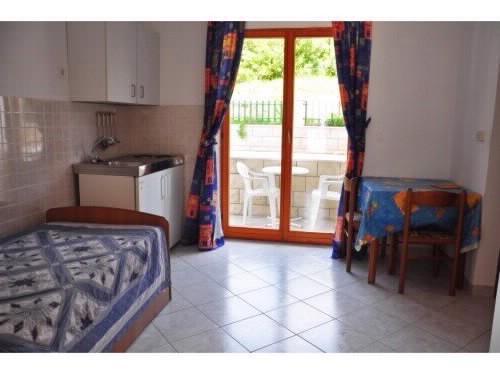 Apartments Spomenka - 53251-A1 - Image 1 - Orebic - rentals