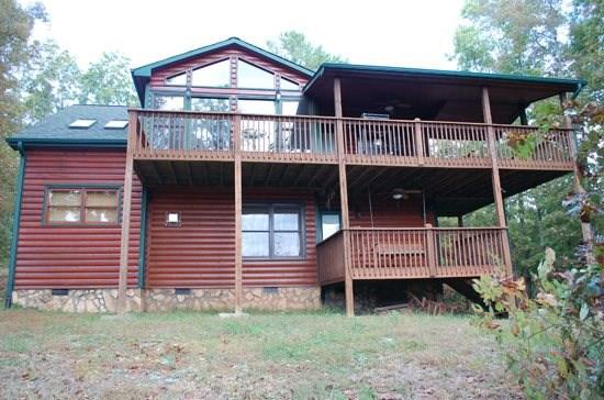 PICABO*3 BEDROOM, 3 BATHROOM-SLEEPS 6-GORGEOUS MOUNTAIN VIEW-3 KING SIZE BEDS-SATELLITE TV-2 GAS LOG FIRE PLACES-INDOOR HOT TUB-GAS GRILL-$125/NIGHT - Image 1 - Blue Ridge - rentals
