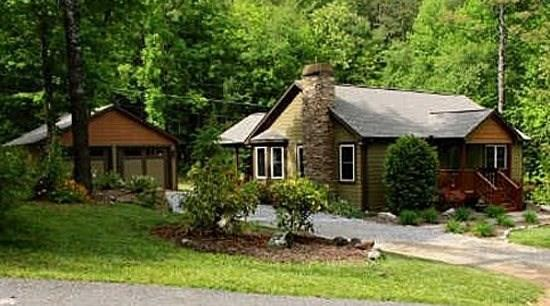 FIDDLER`S GREEN- 3BR/2.5 BA- CHARMING CABIN LOCATED IN BLAIRSVILLE SLEEPS 6, MOTORCYCLE FRIENDLY, WOOD BURNING FIREPLACE, GAS GRILL, FLAT SCREEN TV'S, DIRECT TV, WIFI, KING SIZE BED, POOL TABLE, WET BAR, AND A HOT TUB! ONLY $125 A NIGHT! - Image 1 - Blue Ridge - rentals