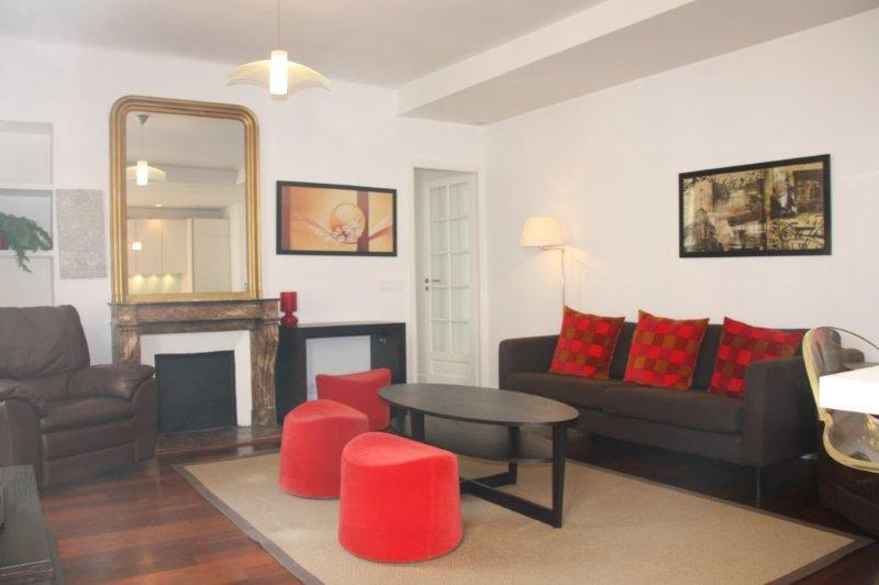 Great 2 Bedroom at rue des Rennes Apartment - Image 1 - Paris - rentals