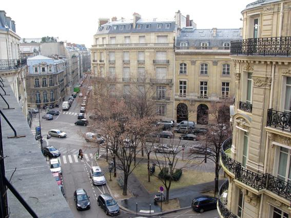 Champ Elysees Vacation Rental at Etoile Gelilee - Image 1 - Paris - rentals