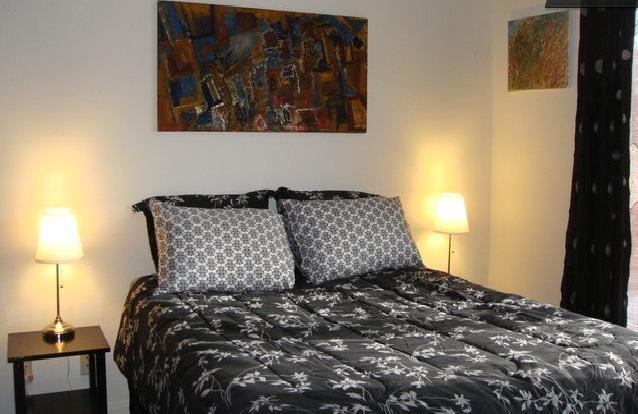bedroom in loft area - 322 Loft 1br w/rooftop patio near UCLA in prime ar - Los Angeles - rentals