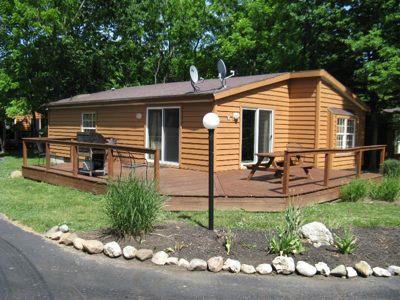 Island Club House 93 - Image 1 - Put in Bay - rentals