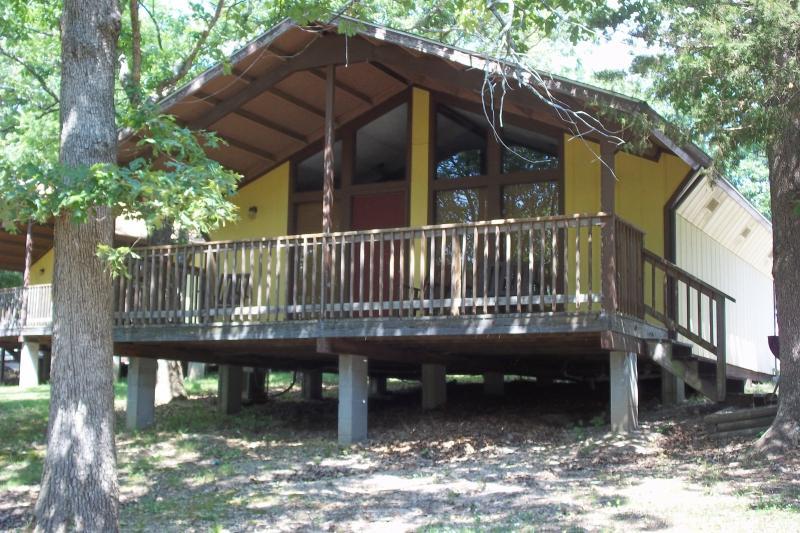 Cabin outside - Cabin Near Table Rock & Silver Dollar City, MO - Branson - rentals