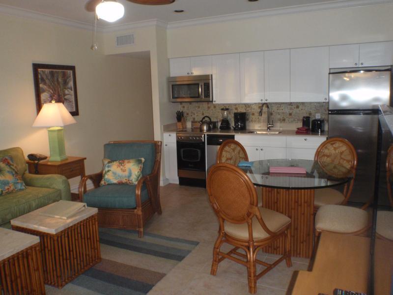 Kitchen Living Room with sofa sleeper - Christmas Week Oceanfront KeyWest Condo - Key West - rentals