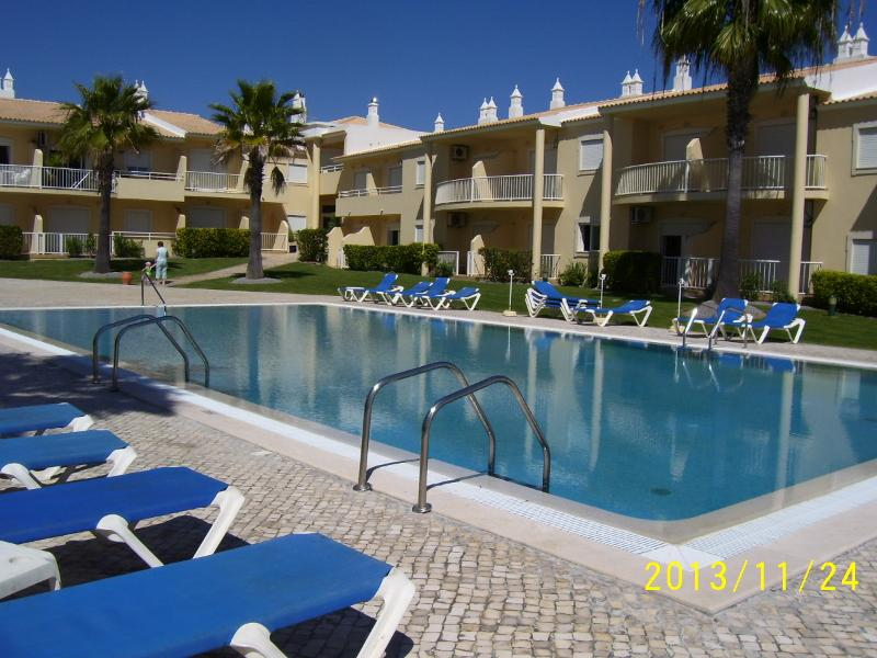 pool - Confortable, quiet  and nice apartement for holidays at the seaside, Albufeira - Albufeira - rentals