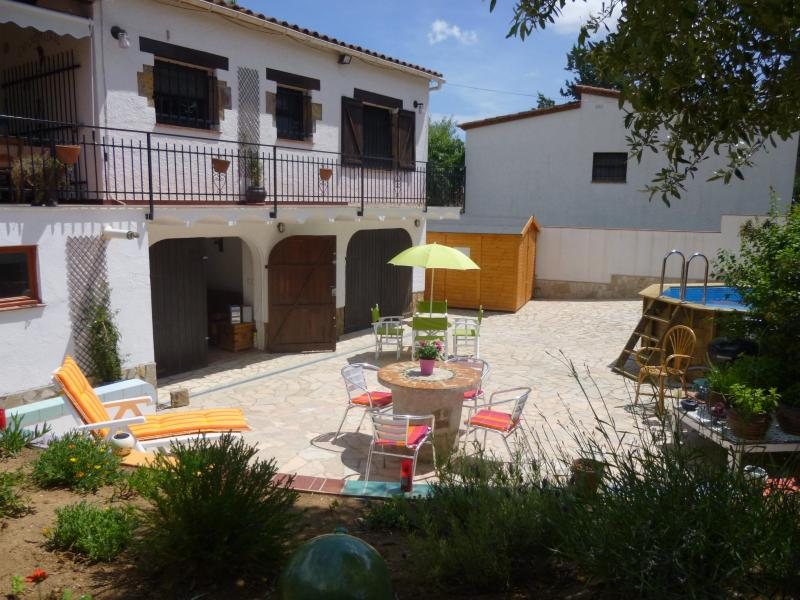 The lower courtyard, showing entrance to the B&B - Gaudi's Rest Bed & Breakfast on the Costa Brava - Girona - rentals
