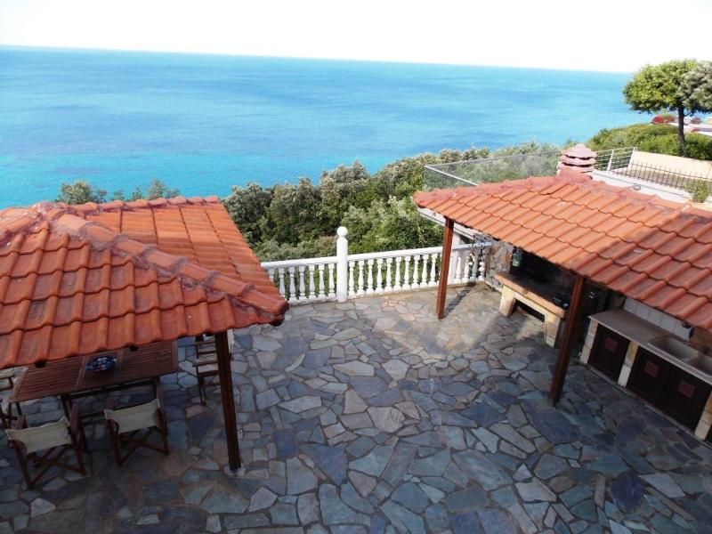 Back Patio & Barbecue Area - At The Foot Of Mount Olympus In Greece -  Discounts for remaining dates ! - Macedonia Region - rentals