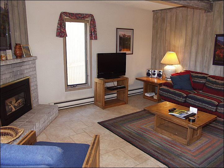 Living Room - Walk to restaurants and shops - Heated Pool (2454) - Snowmass Village - rentals