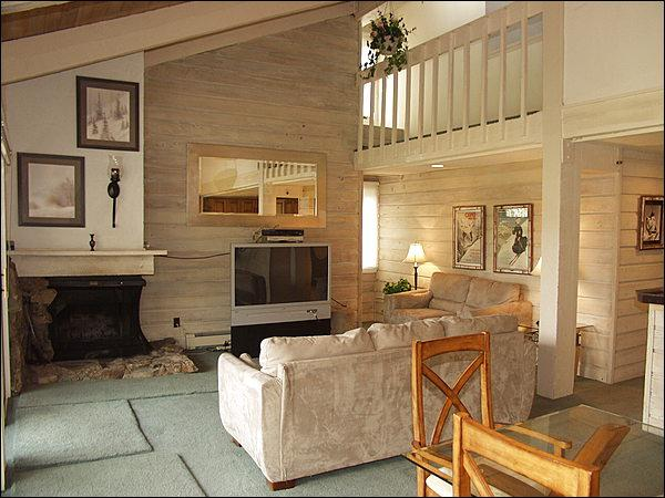 Living Room - 5 minutes from the lifts via shuttle - Snowmass Mountain Condominiums (3074) - Snowmass Village - rentals
