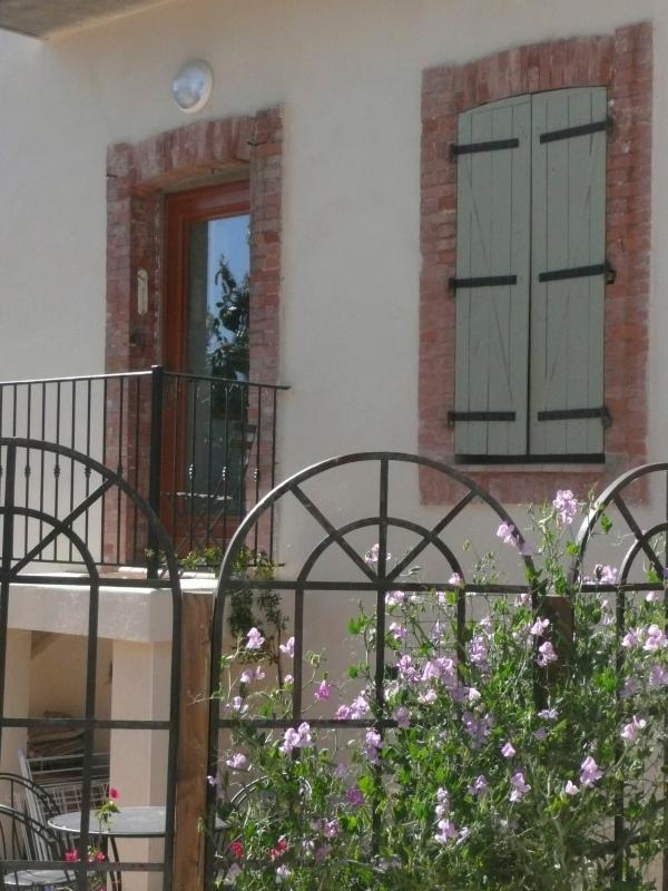 Gite Magnolia - your own front entrance leading out to the garden - Stylish, comfortable holiday apartment in France - Causses et Veyran - rentals