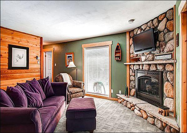 Lovely Living Room Features a Gas Fireplace and Flat Screen Cable TV - Walk to Main Street Shops and Restaurants - Fine Features & Affordable Rates (13403) - Breckenridge - rentals
