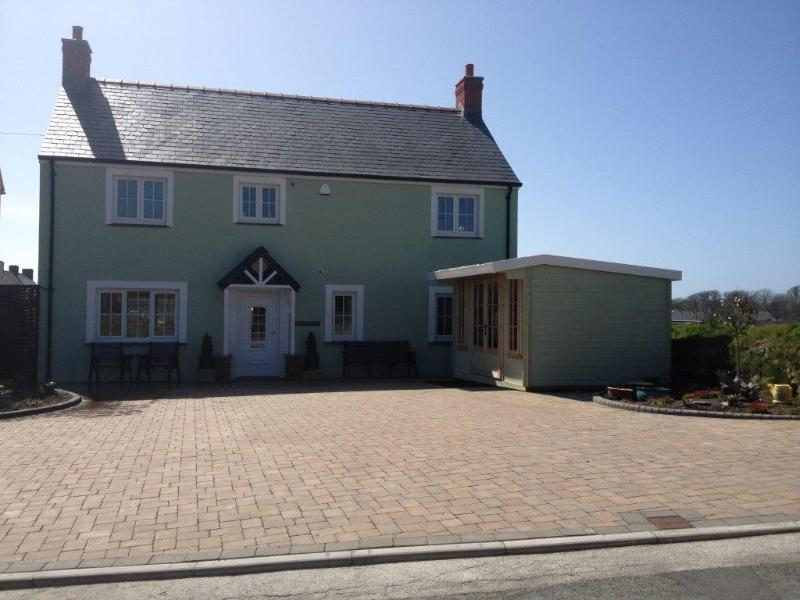Maes Y Gwaelod, Solva, Plenty of parking - 5* Pet Friendly Holiday Home-Maes Y Gwaelod, Solva - Solva - rentals