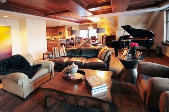 Spacious Living Room with Firepalce, Flat Screen TV, and View of the Ski Mountain - Magnificent 3BR Platinum Rated Ski In/Ski Out Ritz Carlton Penthouse. - Beaver Creek - rentals