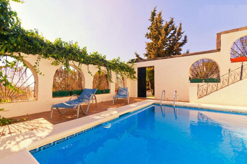 Pool, WIFI, TNT, Quiet, Apart. in a detached house - Image 1 - Chilches - rentals