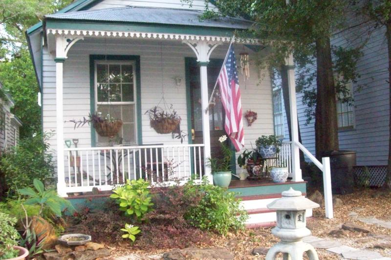 Historic Shotgun House - Historic Cottage(pet friendly) - Pensacola - rentals