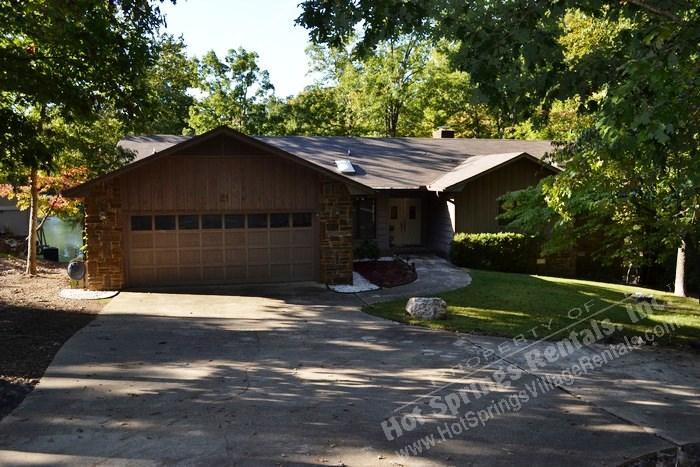 21ToleDr |Lake DeSoto Home | Sleeps 6 - Image 1 - Hot Springs Village - rentals