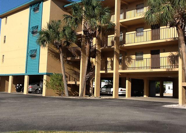 Front of Building - 1 Bed / 1 Bath with View of the Bay - Treasure Island - rentals