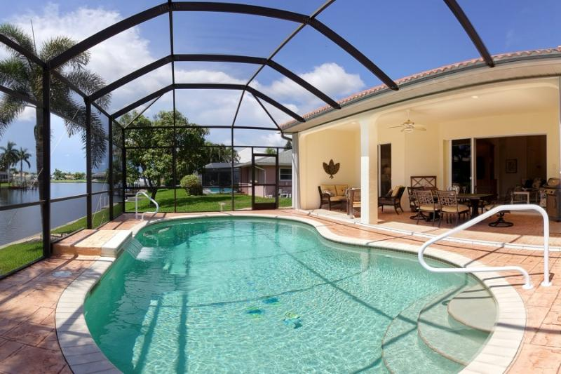 Villa Bella Rose in the beautiful Rosegarden area! - Image 1 - Cape Coral - rentals