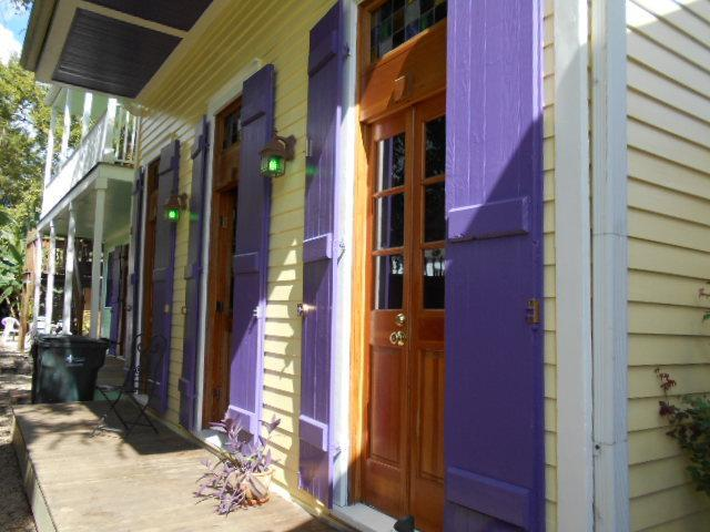 Front of unit - 1 blk. to French Quarter.  Stay in renovated history. - New Orleans - rentals