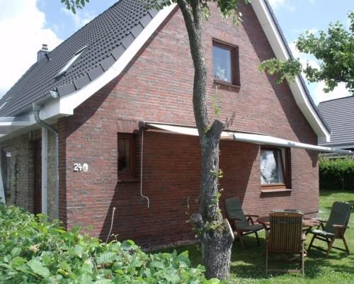 Vacation Apartment in Elsdorf-Westermuehlen - 700 sqft, central, comfortable, modern (# 4405) #4405 - Vacation Apartment in Elsdorf-Westermuehlen - 700 sqft, central, comfortable, modern (# 4405) - Rendsburg - rentals