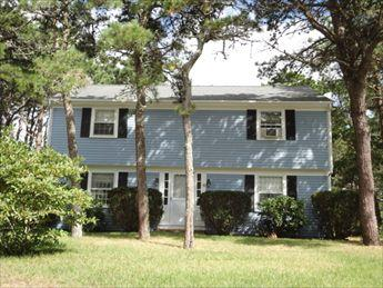 THE EARLY FALL SEASON IS GORGEOUS! BOOK NOW! 118397 - Image 1 - South Yarmouth - rentals