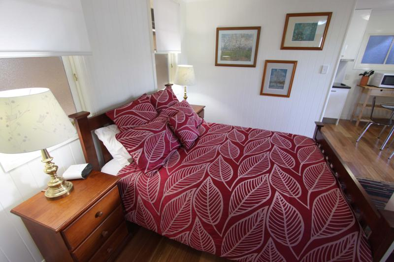 The most comfortable bed IN THE WORLD,luxury linen provided - Quiet inner city luxury studio apartment - Brisbane - rentals