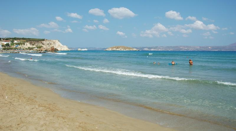 ONLY 5 MIN.WALK FRO CRYSTAL WATER SANDY BEACH - ONLY 5 MIN.WALK FROM CRYSTAL WATER SANDY BEACH - Almyrida - rentals