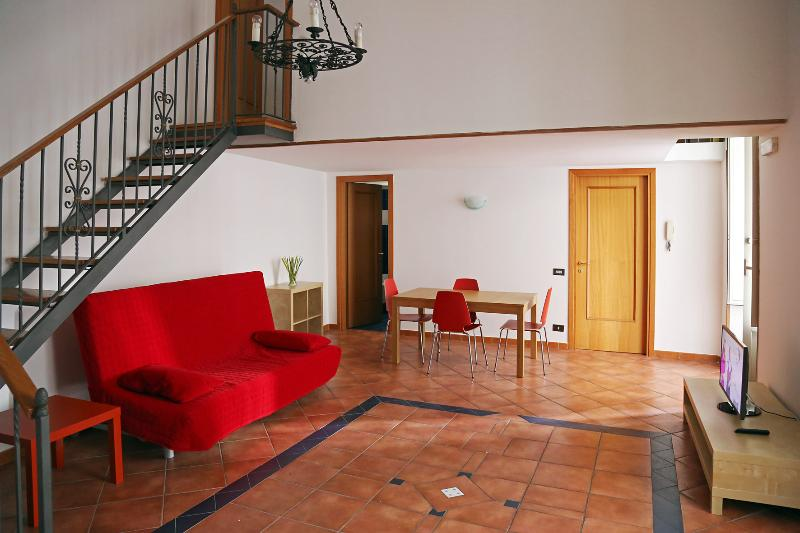 Spaghetti home near the cathedral - Image 1 - Naples - rentals
