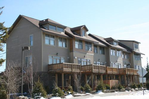 Shays Landing # 5 - 3 story townhouse with private hot tub. - Shays Landing - 5 - Snowshoe - rentals