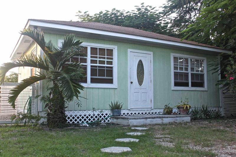 Main Entrance - Vacation Cottage in Grand Cayman, Cayman Islands - West Bay - rentals