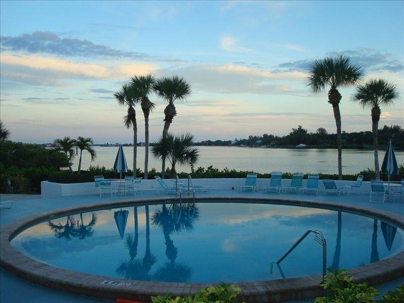 Heated Pool Overlooking Bay - Beautiful 2 BR 2 BA 1st floor Condo - walk 2 beach - Sarasota - rentals