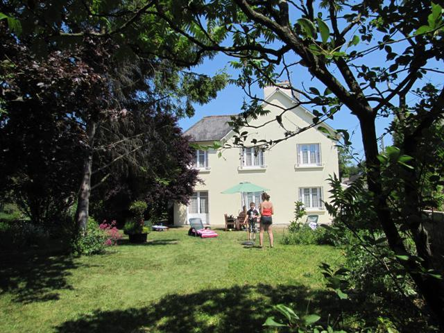 The gite and its private enclosed garden - Spacious child-friendly villa near medieval Dinan - Dinan - rentals