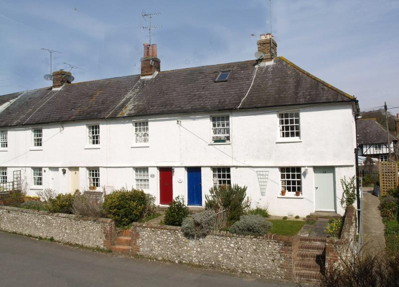 The cottage is at the end of an 1850's terrace - Quality 2 bedroom  cottage, near Brighton, U.K - Steyning - rentals