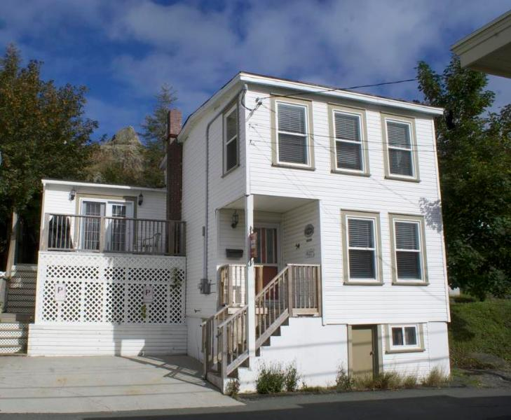 Welcome To Battery House - Downtown - A Warm Newfoundland Welcome - Saint John's - rentals