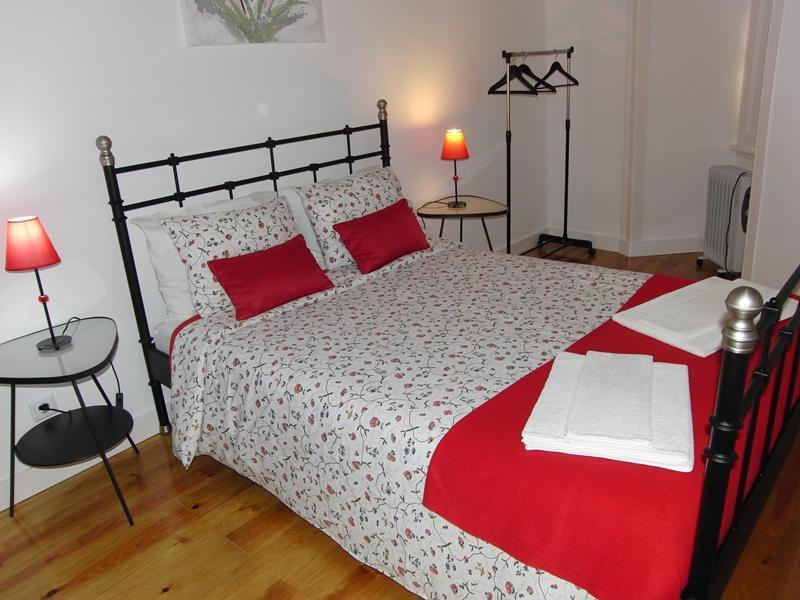 Apartament Historic area Graça/Lisbon - Image 1 - Lisbon - rentals